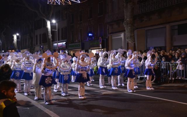 Découvrez la Grande Parade Feerique 2016 à Millau (en video)